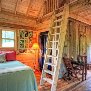 Rustic cabin interior design ideas archives houz buzz - Enclosed balcony design ideas oases of serenity ...
