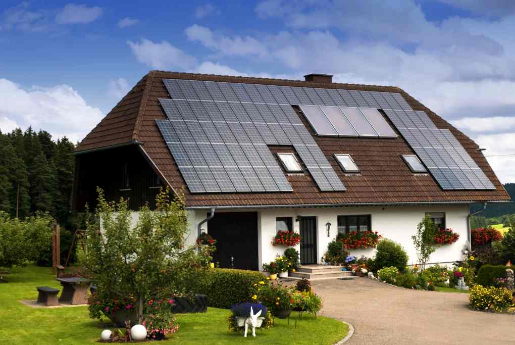 Eight energy efficient home design ideas for Efficiency house