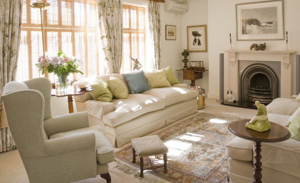 English style interior design is traditional