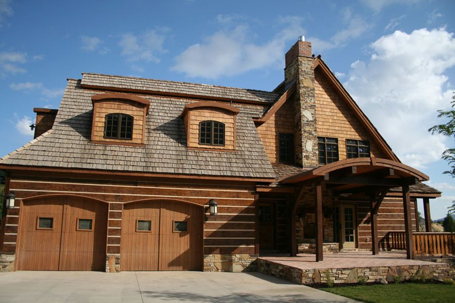 House plans with garage below for Log home plans with garage