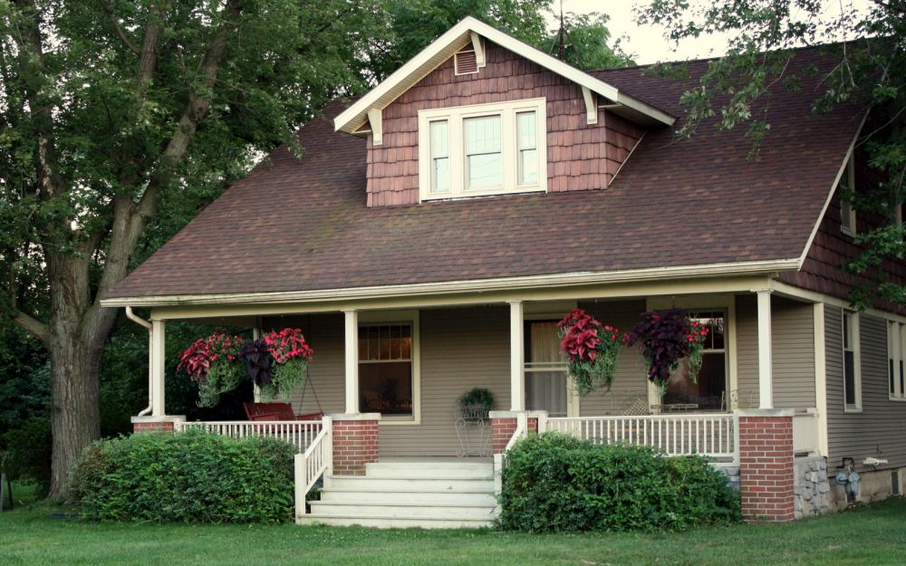 Cottage style homes plans elegance resides in small spaces for Cottage style home designs