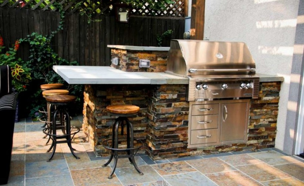 Rustic outdoor kitchen designs for Simple outdoor kitchen plans
