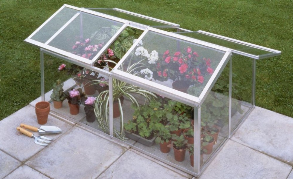how to build a mini greenhouse step by step