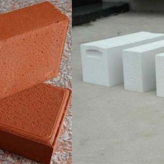 AAC blocks vs clay bricks small comparison