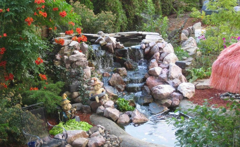 How to build a pond with waterfall in easy steps for Diy pond waterfall