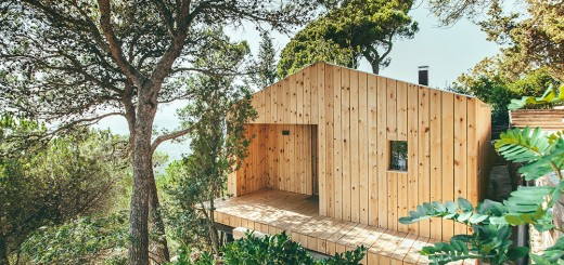 The passive wood cabin in Spain is eco friendly