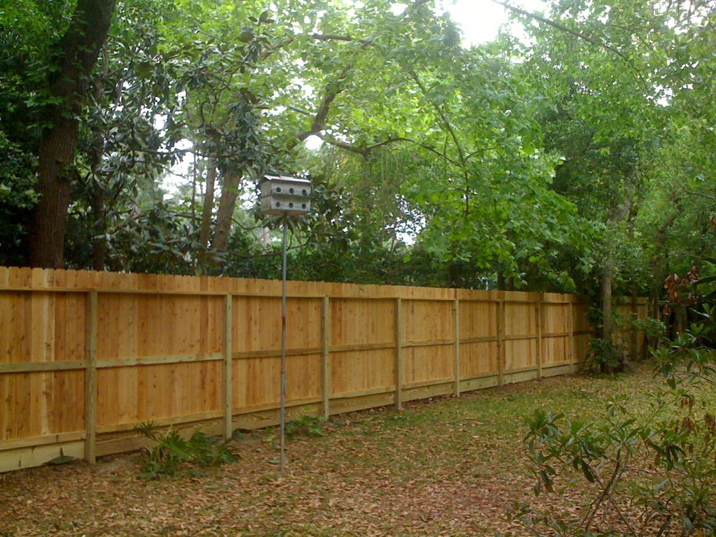How to build a wood fence in simple and easy steps for How to build a small fence