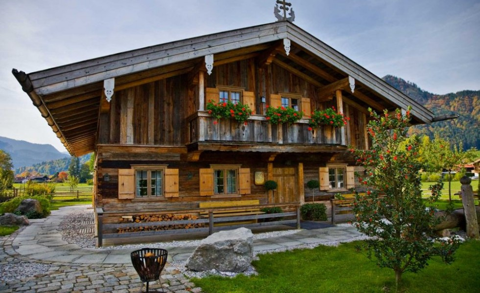 Bavarian style houses rustic elegance for Rustic style homes