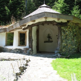 Natural cob houses for all