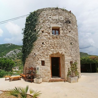 Franciscan tower in hvar archives houz buzz - The house in the old franciscan tower ...