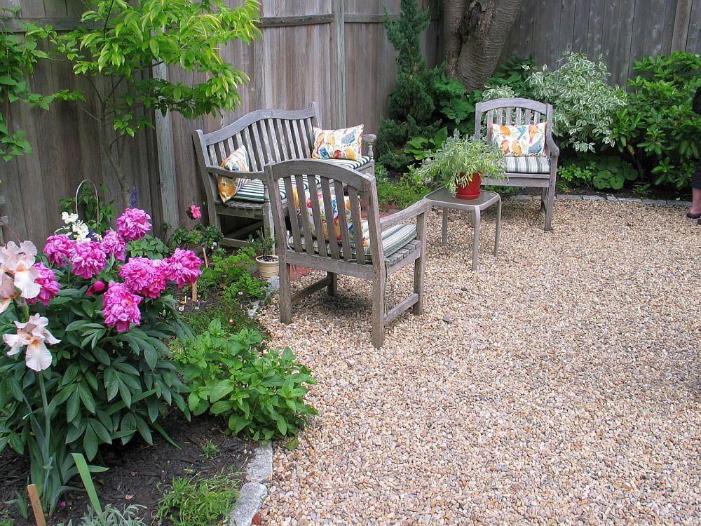25 pebble garden decoration ideas houz buzz for Garden design ideas 2016