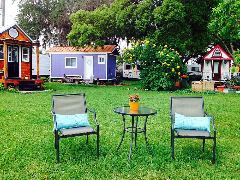 A miniature town spur the pole of tiny house movement houz buzz - The tiny house village a miniature settlement ...