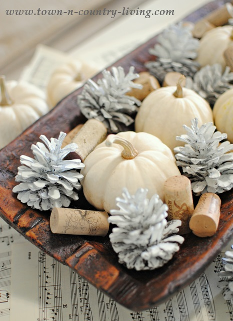 crafty winter decorations with pine cones paint 3