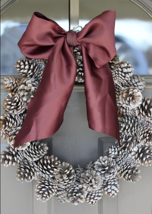 crafty winter decorations with pine cones wreath 1