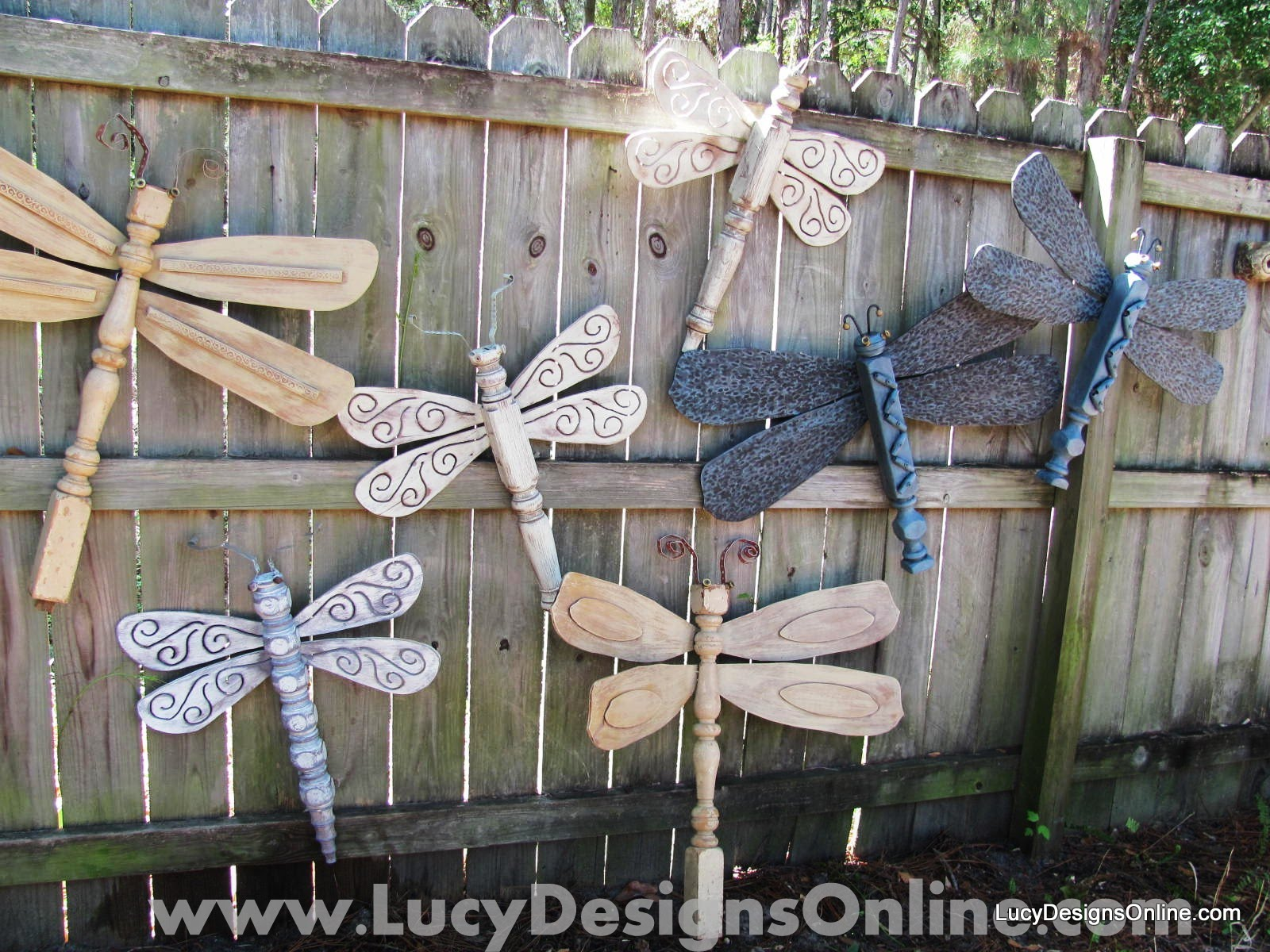 Outdoor decorating ideas 10 diy ideas for the holidays for Yard decorations ideas