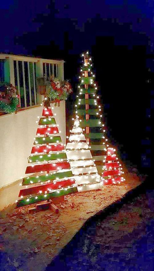 Outdoor Decorating Ideas. Christmas Trees