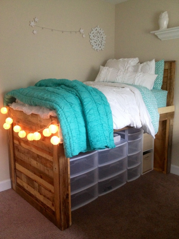 Space Saving Ideas For College Dorm Rooms