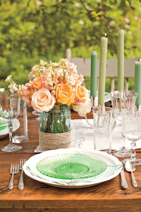 Easter table decorations make the holiday meals special for your family and guests - Easter table decorations meals special ...