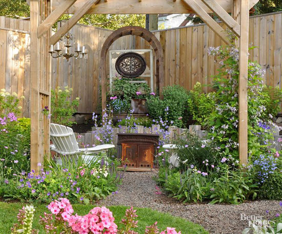 Set a vintage garden furniture there and you'll have a relaxing corner of your own.