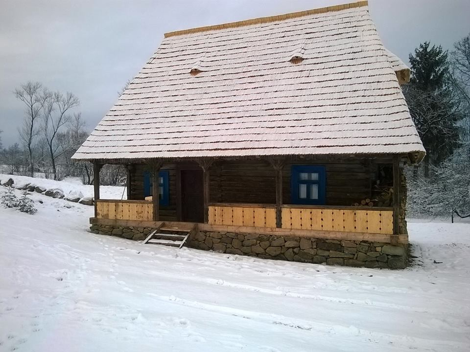 Houses in maramures in search for the lost wood civilisation - Houses maramures wood ...