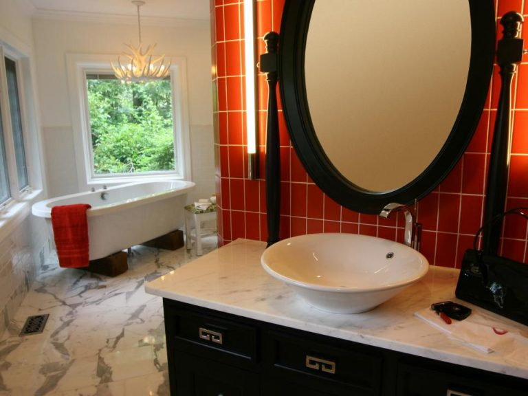 Badezimmer orange grau