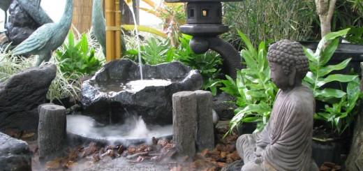 Japanese style garden furniture brings harmony