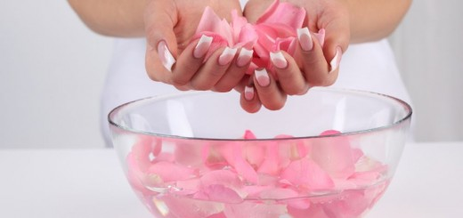 How to make rose water at home easily