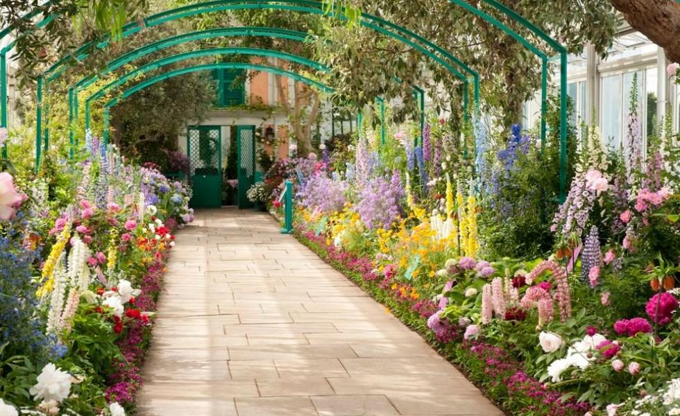 Garden alley ideas in the city