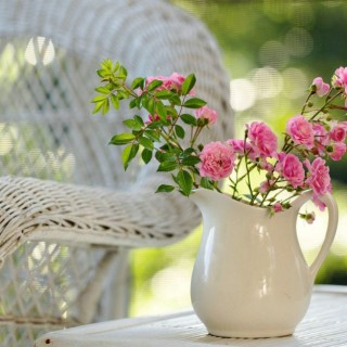 Practical tips to make your flowers last longer at home