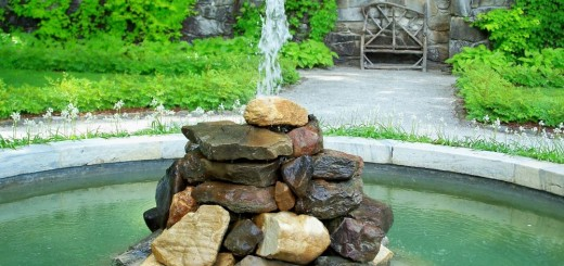 How to build an outdoor fountain with rocks in the garden