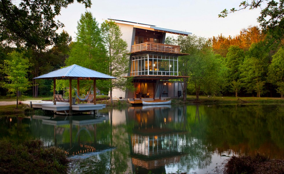 The pond house in Hammond