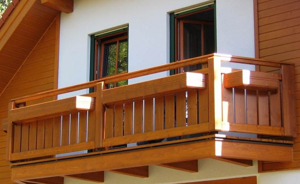 Wood balcony design ideas for houses