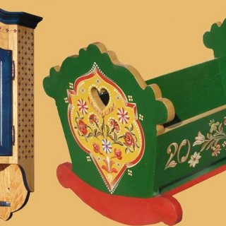 Transylvanian painted furniture by hand