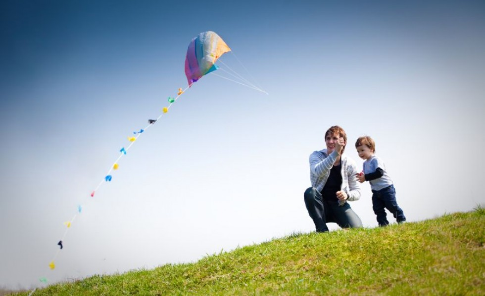 How to make a kite in simple steps