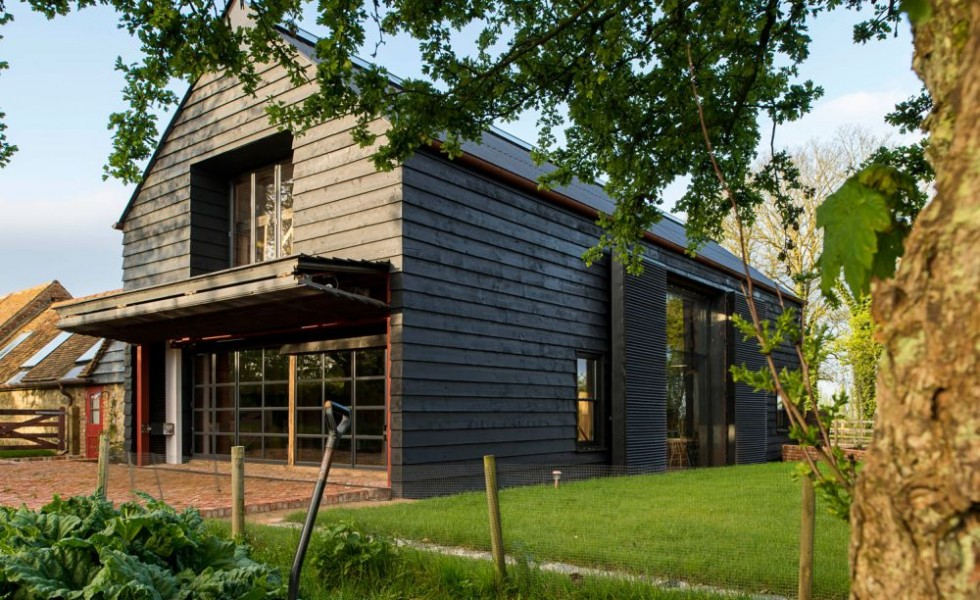 The contemporary barn in England
