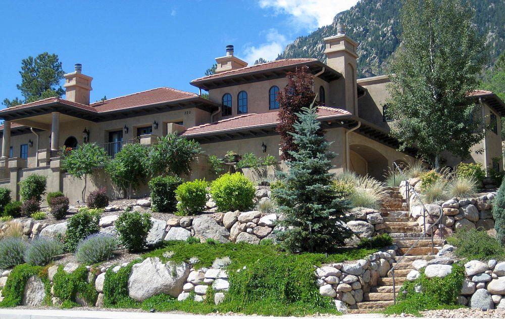 15 Superb Mountain Garden Landscaping Ideas on Mountain Backyard Ideas id=54951